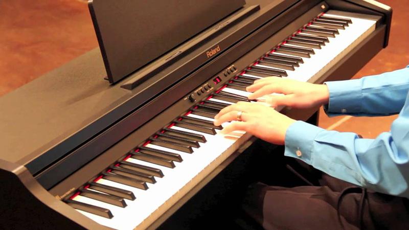 danh-gia-kiem-tra-piano-dien-khi-mua
